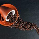 Czasem oblewam się kawą.